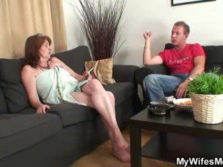 Мати в закон fucks його але дружина finds з їх