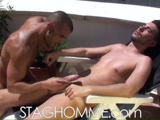 Heat stroke. muscle boys gets a oralinis darbas darbas