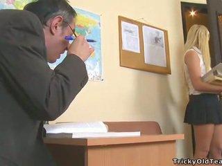Delightful アナル セックス とともに 教師