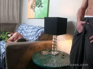 نائم roomate woken فوق إلى جنسي وضع