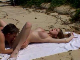 الزوجان في سن المراهقة, أبيض, شاطئ