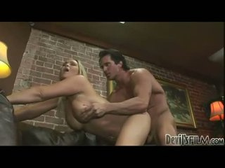 Burning quente abbey brooks loves para obter aqueles meaty jugs creamed depois a foder