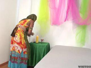 Hübsch indisch ehefrau lutschen muscle penis