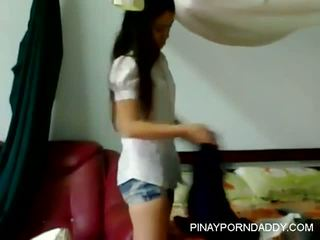 UST student binosohan nagbibihis sa dorm - Pinayporndaddy
