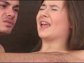 Virgin vajzë sucks një kokosh