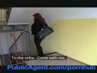 Publicagent verheiratet rotschopf does anal im die cellar