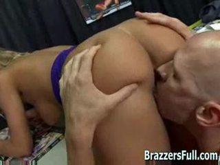 Nicole fucks dela velho professora