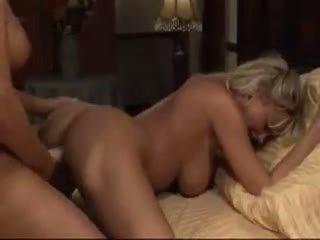 lielas krūtis, lesbiete, pornozvaigžņu