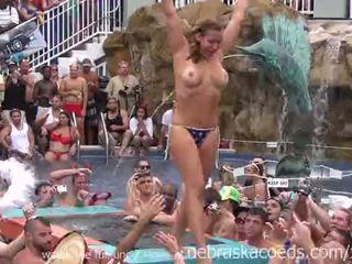 Unspeakable debauchery ב פלורידה בריכה מסיבה
