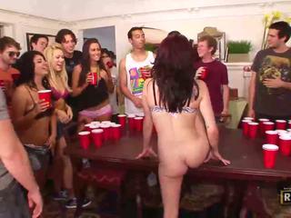 שתוי סקס אורגיה עם חם עירום בנות מזוין ו - licked ב the שולחן