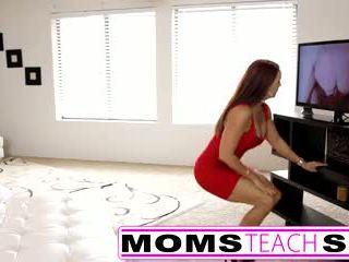Solis māte fucks dēls uz karstās trijatā sekss tape