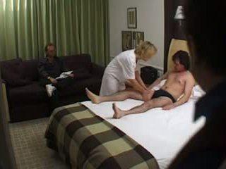 Brittiläinen milf masseuse slut hotellin incall naida: vapaa porno df
