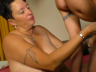 Xxx omas - amatir diwasa bayan with german brunette.