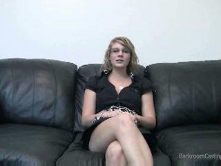 Deel secretaresse deel creampie en seks victim