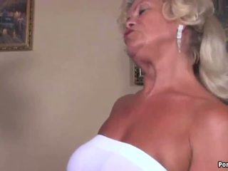 Mummi screams kun taas perseestä kova, vapaa hd porno 93