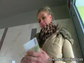 Masivo tetas adele pounded para dinero