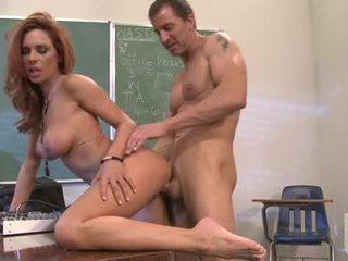 Burning sexig hora jadra holly gets henne fittor thumped av en rock hård kuk bakom