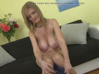 Matura printesa mama cu super mare saggy tate: gratis porno e2