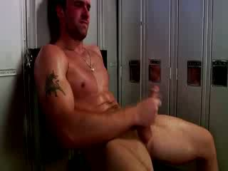 Handsome muscular jock استمناء