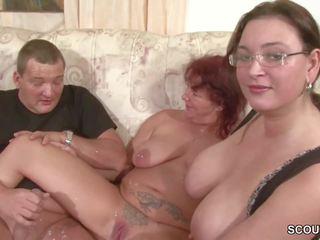 Paar bekommt sextipps von der матуся freundin und macht