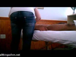 Vol massage leads naar reusachtig piemel afrukken relief