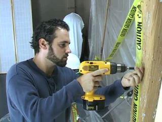Construction lucrător takes o pauză pentru beat de pe