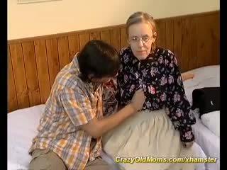 Ekstrem hårete mamma needs dyp anal sex, porno a6