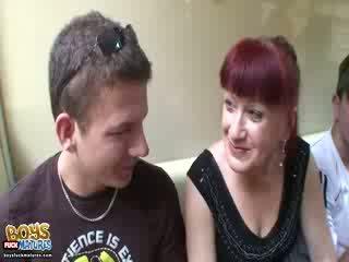 Russian Redhead speaks body language