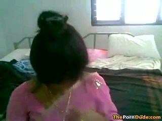 India esposa stripping abajo y getting follada