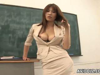 Vroče veliko oprsje ai kurosawa umazano učitelj s velika