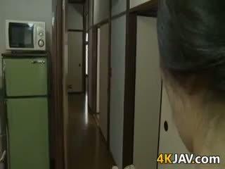 Mycket kåta japanska hustru