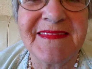 Nenek puts pada beliau gincu kemudian sucks muda zakar/batang video