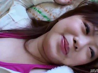 غير محلوق الآسيوية فتاة creampied