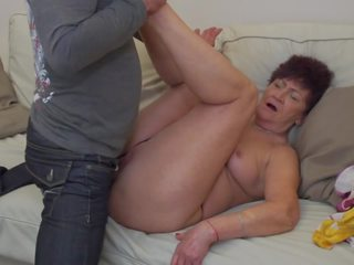Oma karina geneukt door zoon in wet, gratis porno 2c
