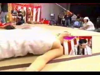 Zem svārkiem saspraude - 15 hipnotizētas japānieši meitenes par televīzija