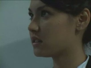 Maria ozawa forzado por seguridad guard