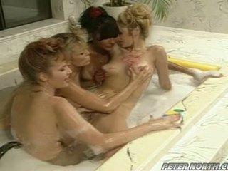 Anna malle 和 tiffany mynx 上 一 调皮 泡沫 浴室 session 同 一些 girlfriends