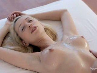 Fastuos lesbiene adolescență masaj fiecare alte