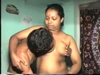 Desi aunty faen: gratis indisk porno video 7b