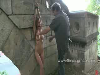 Alice romain الحمار مارس الجنس و paraded حول في جمهور