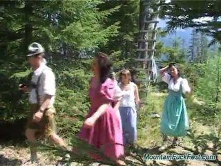 Foresters e facile dolls having imbecilic team porno dentro aperto aria
