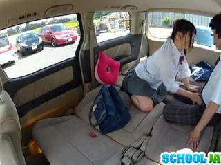 日本語 女學生 banged 在 一 parking 很多