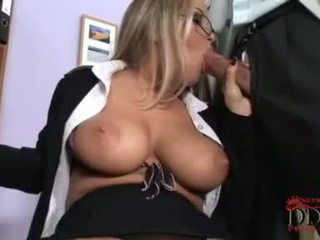 Vidio Girl Taking Cock In Her Mouth