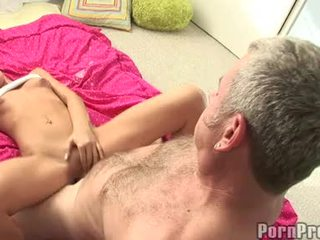 Lusty קטן boobed tanner mayes getting שלה bawdy cleft cracked על ידי a מפלצת jock