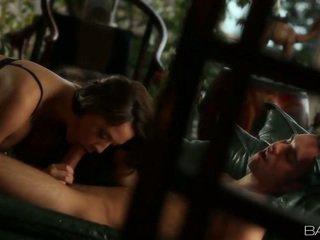 mooi brunette kijken, online hardcore sex, kutje neuken een
