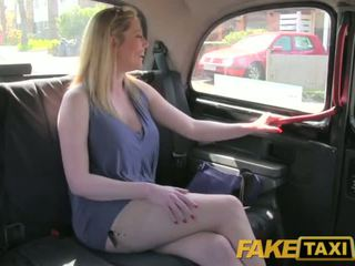 Faketaxi smutsiga brittiska puma är lycklig till fan den london taxi driver