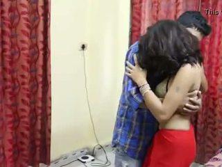 Desi milf's tetas fondled realmente duro por salesman ## hindi caliente corto película