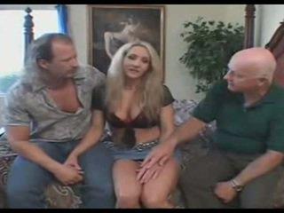 Interraciaal swinger vrouw trio, hubby likes