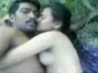 Tamil couples sexo outdoors