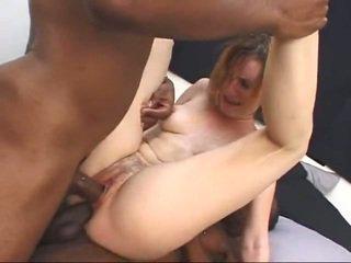 Puti inang kaakit-akit gets screwed by two malaki itim cocks